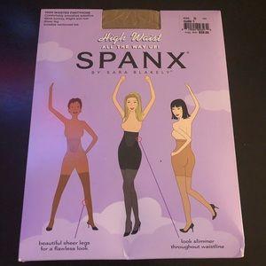 Spanx Size D High Waisted Sheer Pantyhose. NIB